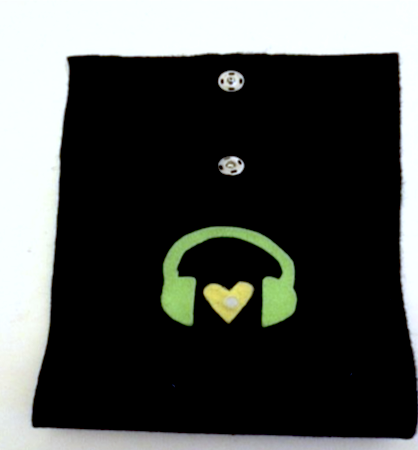 E- textile smart phone case