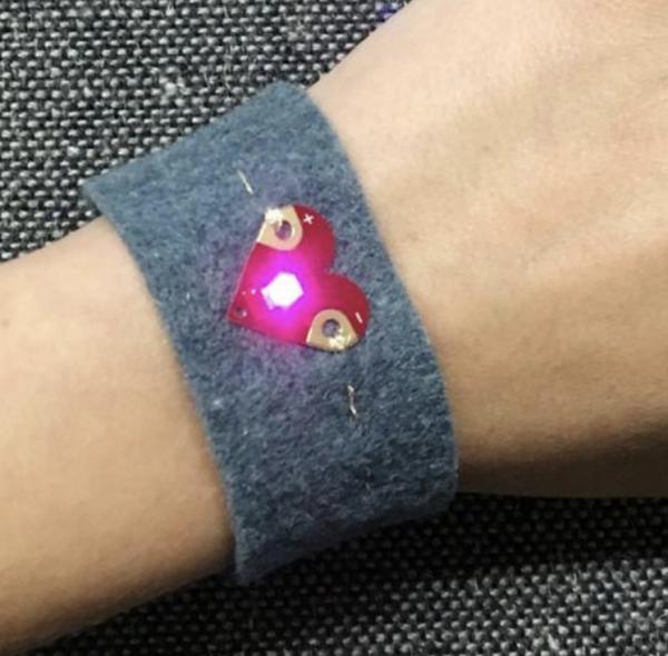 Teknikio bracelet heart