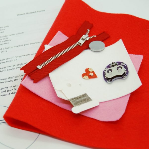 Heart Tecknikio purse kit