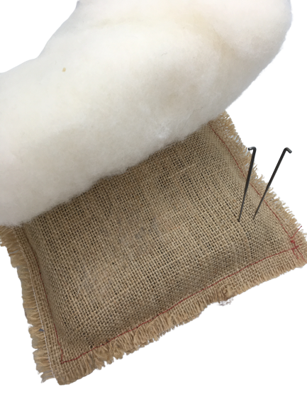 Eco hessian mat with needles and wool batt